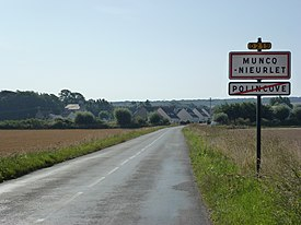 Muncq-Nieurlet (Pas-de-Calais) city limit sign.JPG