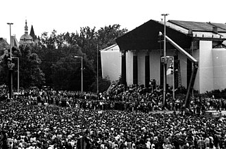 Imre Nagy - Nagy's reinterment on 16 June 1989. One of the speakers at the funeral was a young Viktor Orban, who demanded democratic elections and the withdrawal of the Soviet Army from the country.
