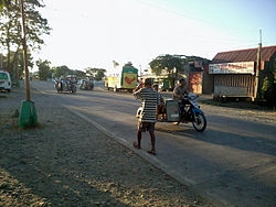 National road in Mamburao, Occidental Mindoro.jpg