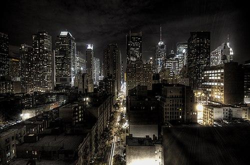 Fotografía de Nueva York de noche.