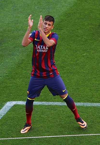 চিত্র:Neymar Barcelona presentation 1.jpg