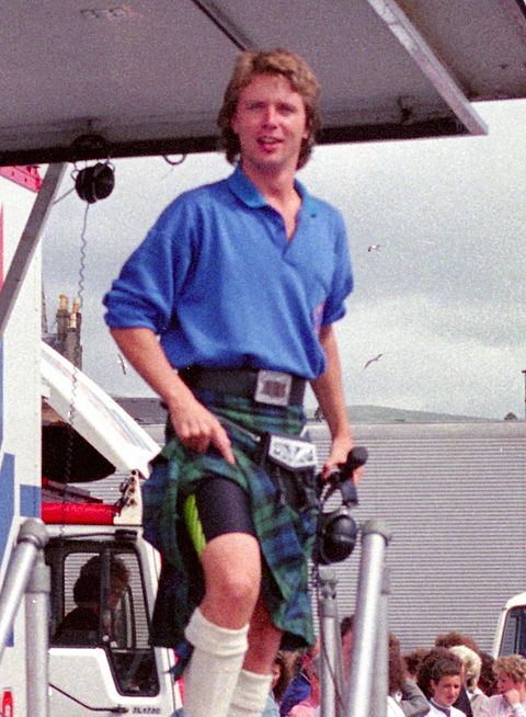 Nicky Campbell presenting the Radio 1 Roadshow from Helensburgh in July 1989