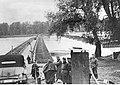 Niemiecki most pontonowy na Wiśle (2-63).jpg