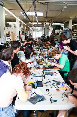 Noisebridge Arduinos For Total Newbies workshop July 2011