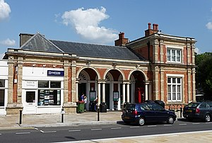 North Dulwich railway station - Image: North Dulwich station, Red Post Hill geograph.org.uk 1435070