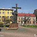 Nowe Miasto nad Pilicą, Pomnik o. Honorata Koźmińskiego - fotopolska.eu (308692).jpg