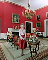 Official portrait of Nancy Reagan in the Red Room.jpg
