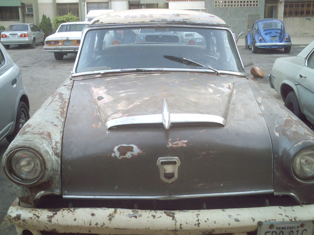c0e0f948dbe File:Old car in Maracaibo.JPG - Wikipedia