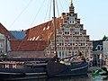 Old ship harbor, Leiden (9037039158).jpg