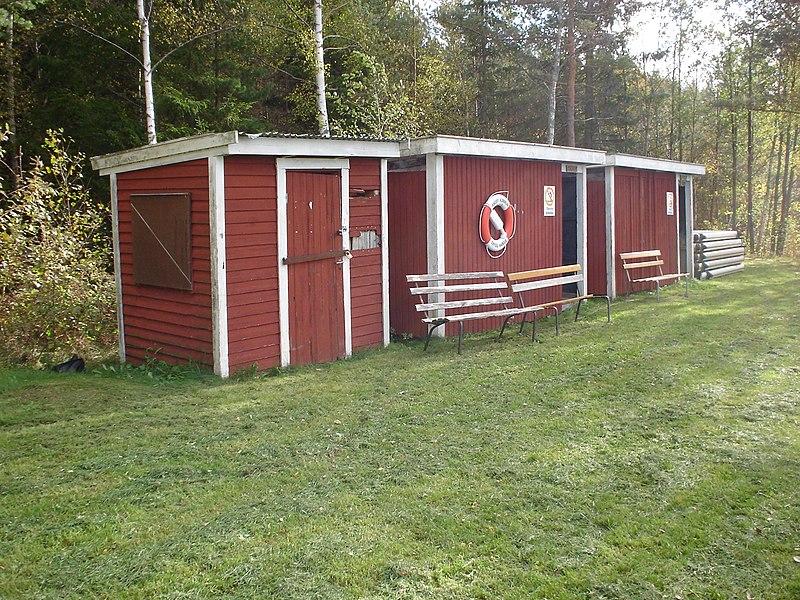 File:Omklädningsrummen vid Söljen 2006 10 08.JPG
