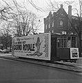 Opdracht Columbia, tram met reclame voor Casino Royale, Bestanddeelnr 920-9382.jpg