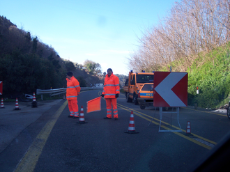 ANAS - ANAS personnel and vehicles on an Italian highway