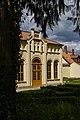 Orangerie Alter Schlosspark Wrisbergholzen.jpg