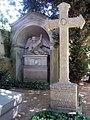 P J Lenne Grabkreuz Bornstedt.jpg