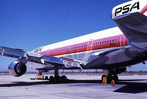 Pacific Southwest Airlines L-1011 N10114 4.jpg