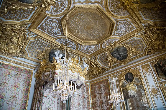 Palace of Versailles 20.jpg