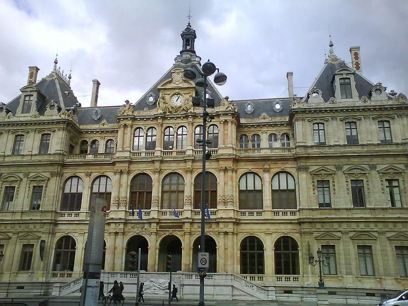 Palais de la bourse à Lyon à deux pas de la bijouterie GEMME cours lafayette