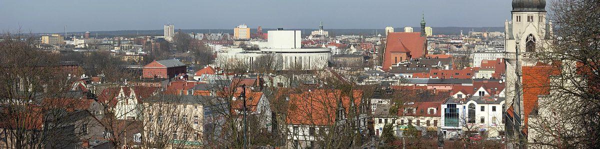 Polski: Widok Starego Miasta z dzielnicy Szwederowo