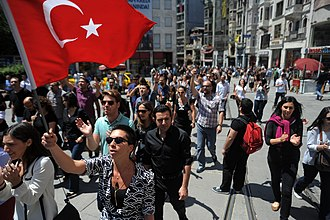 Turkish people in Istanbul Peaceful daytime demonstrations heading towards Taksim park. Events of June 3, 2013-2.jpg