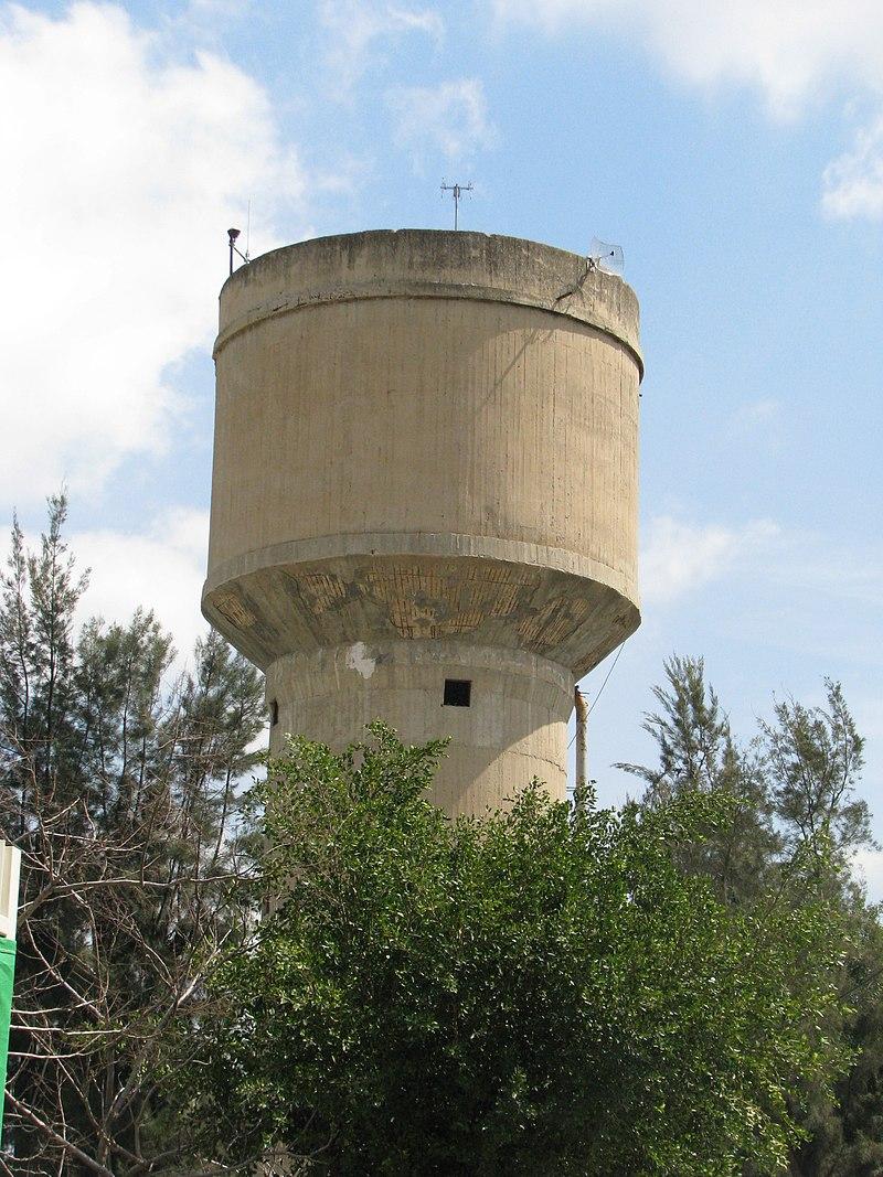 מגדל המים בכפר סירקין
