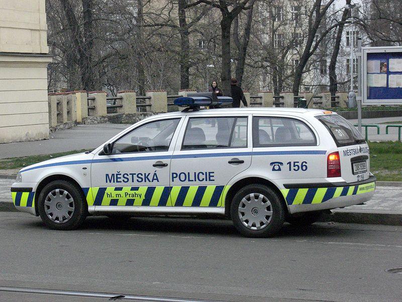 Soubor:Praha-policie-auto.jpg