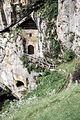 Predjama Castle (18196310112).jpg