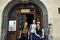 Przed muzeum w Bardejowie.jpg