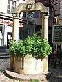 Puits de 1584 (place des Dominicains) (Colmar) (1).jpg