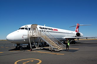 Boeing 717 - QantasLink with boarding stairs