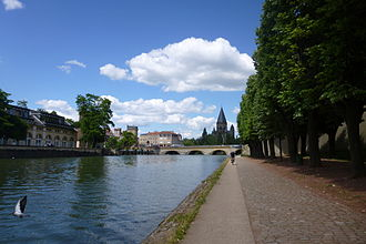 Moselle - Arm of the Moselle entering the old town quarter of Metz
