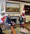 Reunión con el Primer Ministro de Quebec, Philippe Couillard. (21928097300).jpg
