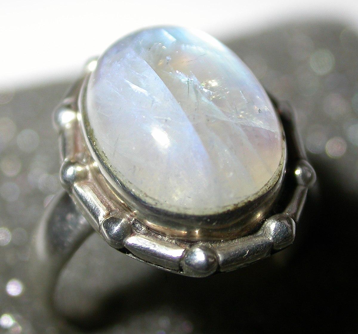 Ring Moonstone.jpg