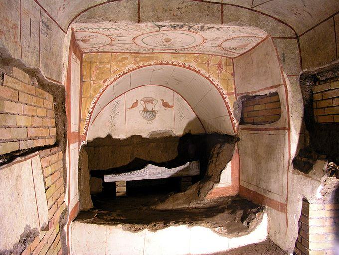 Rom, Domitilla-Katakomben, Wandgräber mit Fresken