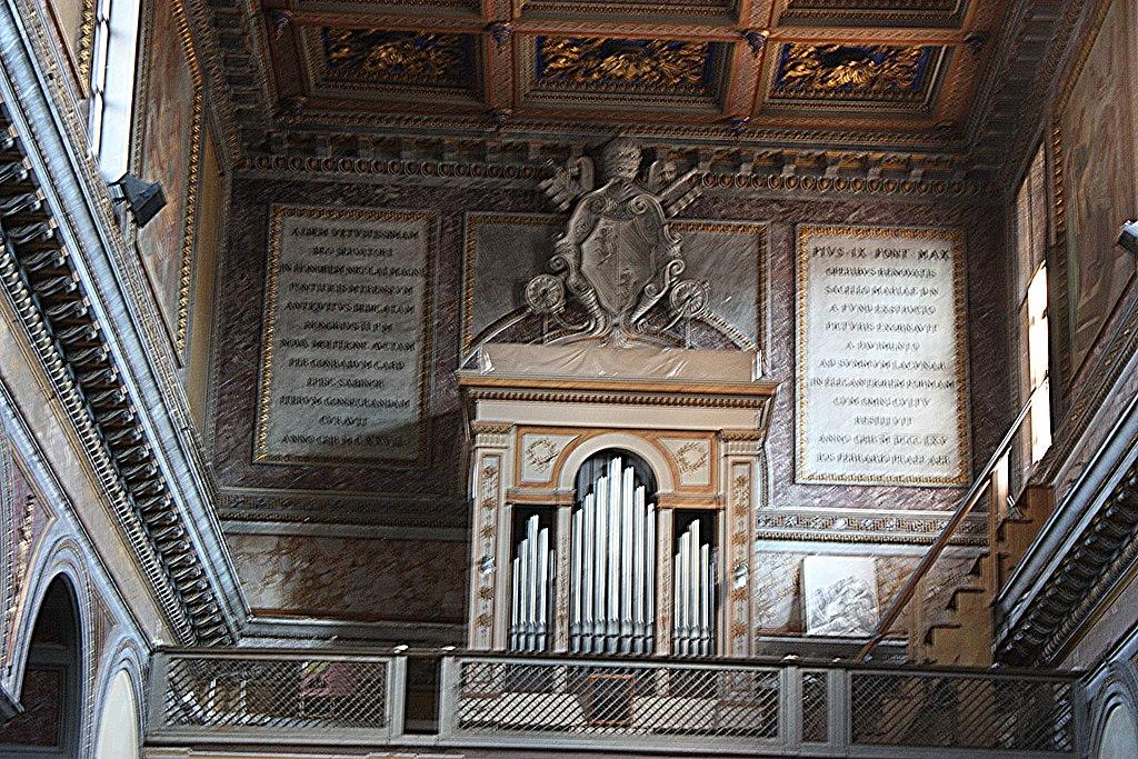 Rom, die Kirche San Nicola in Carcere, die Orgel.JPG
