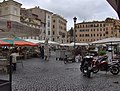 Roma - Piazza Campo de'Fiori - market & Giordano Bruno in the back - panoramio.jpg