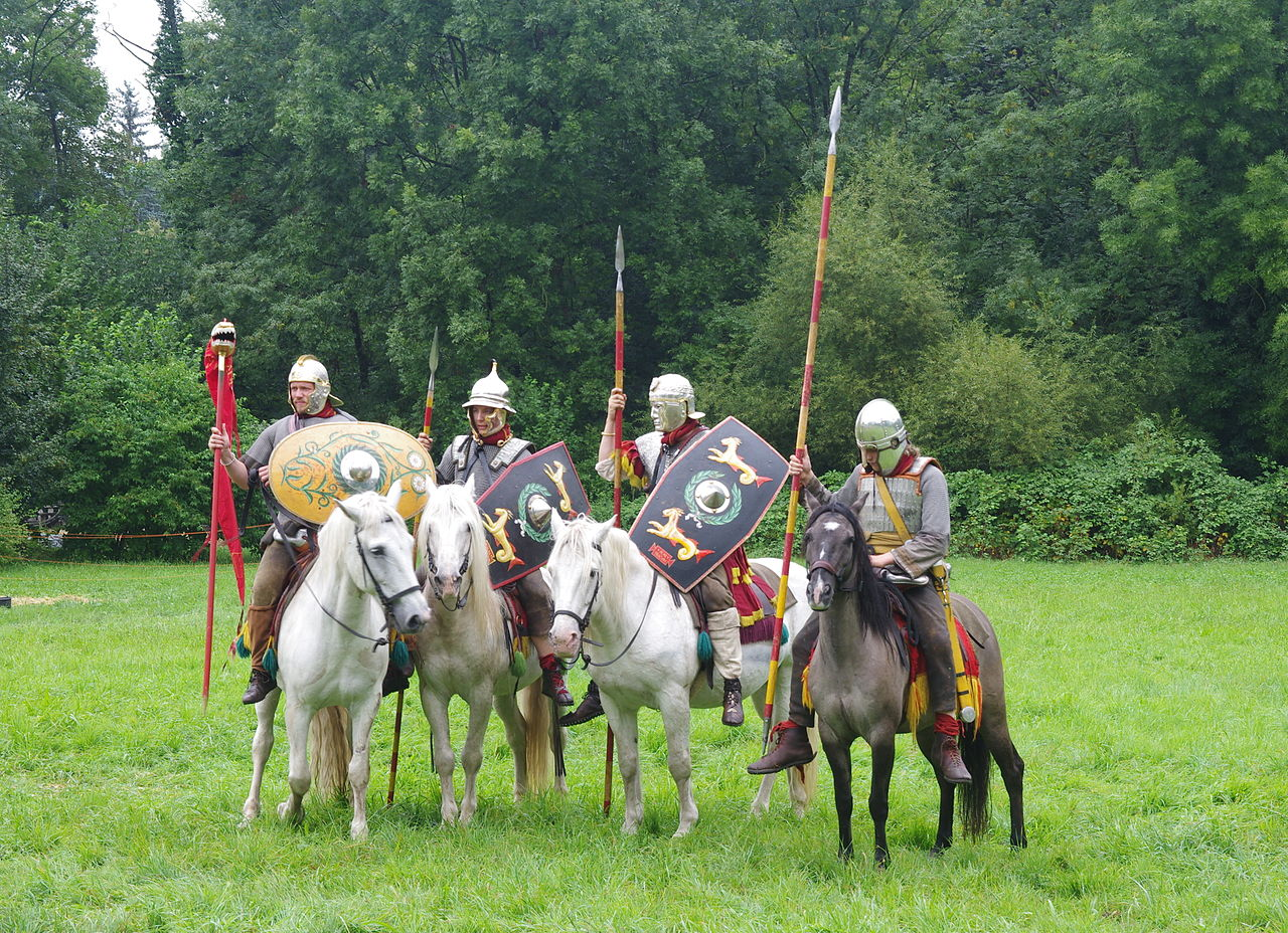 1280px-Roman_Cavalry_Reenactment_-_Roman_Festival_at_Augusta_Raurica_-_August_2013-072.JPG (1280×928)