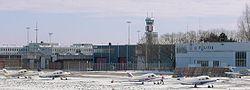 Pequeños aviones en el aeropuerto de Rotterdam, Países Bajos.