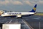 Ryanair, EI-FIN, Boeing 737-8AS (18373778954).jpg