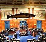 La troisième version de la Morue sacrée surplombe la Chambre des représentants du Massachusetts à Boston.