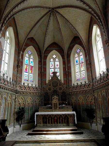 Église Saint-Hilaire de Saint-Hilaire-du-Maine (53). Chœur.