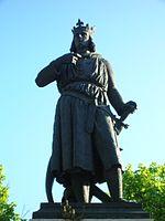 Estátua de Luís IX de França em Aigues-Mortes, por James Pradier, século XIX