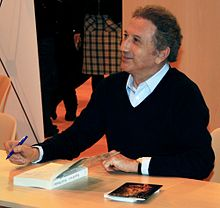 Salon Du Livre 2011 Michel Drucker 2.jpg