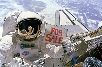 A NASA astronaut jokingly advertises a recover...