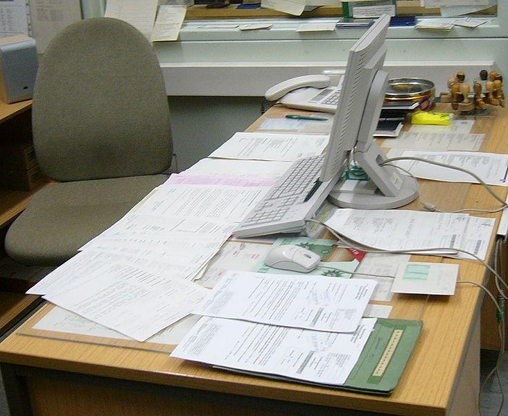 File:Schreibtisch.2.JPG