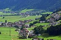 Schwendau und Ortsansicht Hippach-Dorf.jpg