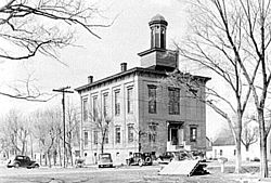 Old Shawneetown Court House in 1937