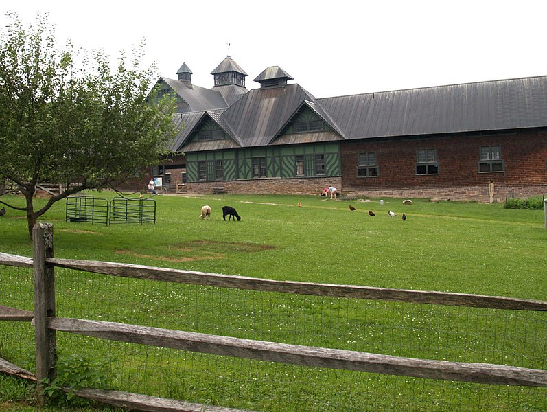 File:Shelburne Farm VT.jpg