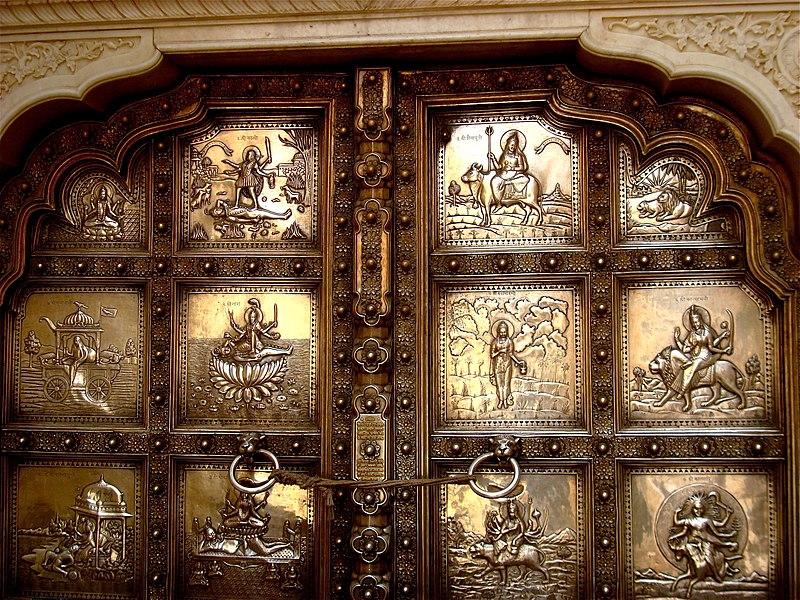 File:Silver door in Amber Fort, Rajasthan.jpg