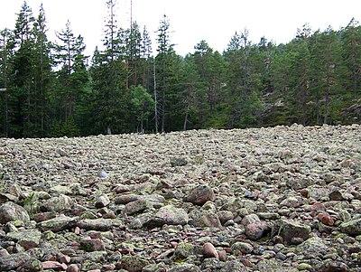 Klapperstensfält, Skuleberget