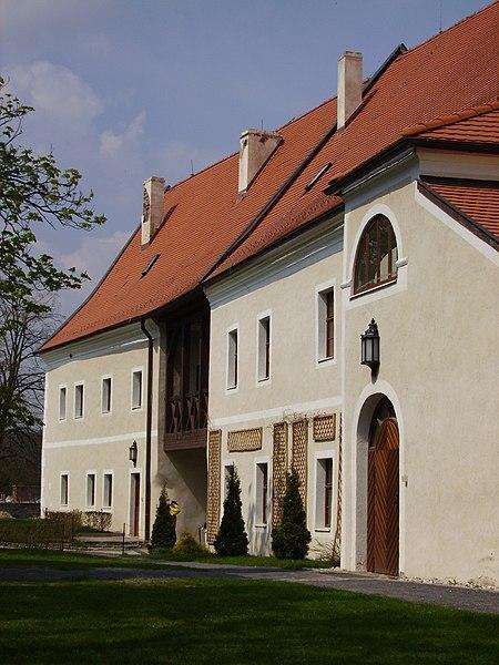 Dosiero:Slovakia CervenyKamen11.JPG